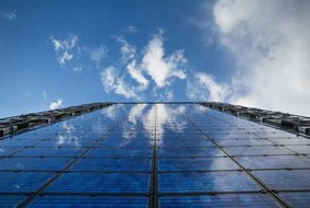 Glass front with view in the sky