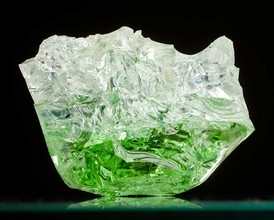 sparkeling-green-float-glass-chunk